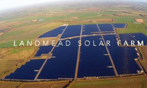 Construction of UKs largest solar farm in Oxfordshire